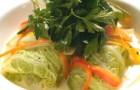 Голубцы из кролика в сметане с овощами