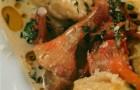 Картофельные ньокки в соусе из лисичек с петрушкой