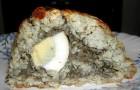 Мясной рулет с грибами и яйцом под нежным мясным соусом