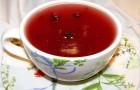 Напиток из протертой смородины с медом