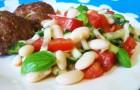 Салат из белой фасоли с помидорами