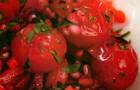 Салат из запеченных помидоров черри и сладкого перца