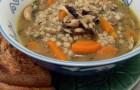 Суп картофельный с перловой крупой и грибами
