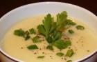 Суп с луком и сельдереем