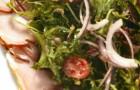 Варено-копченый окорок с салатом и горчичном заправкой