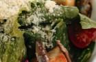 «Цезарь» с жареными сардинами