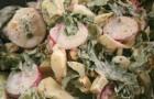 Классический салат с редисом и огурцом