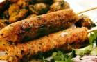 Куриный люля-кебаб с маринованным луком