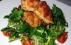 Перепелка на пикантной сальсе с салатом фризе