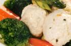 Рагу из овощей с фрикадельками из индейки
