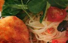 Салат из кролика с овощной соломкой