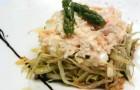 Салат с крабами и японской заправкой