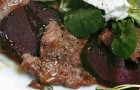 Салат с ягненком и печеной свеклой