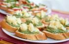 Бутерброды с крапивой и клевером