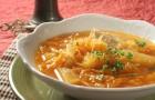 Щи из спорыша,квашеной или свежей капусты и картофеля