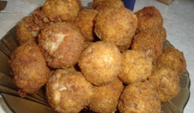 «Колобки» из грибов и отварного картофеля