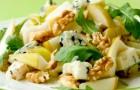Десерт из груш, орехов и сыра