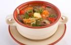 Консервированный грибной суп с помидорами