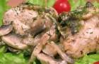 Курица, тушенная с грибами