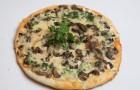 Пицца с грибами и творогом