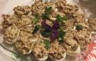 Яйца, фаршированные грибами и овощами