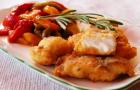 Рыба жареная под соусом