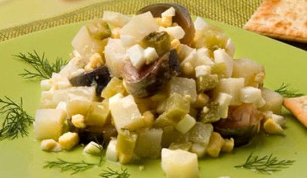 Салат из шампиньонов по-голландски