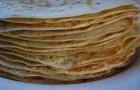 Русские блины гречневые пополам с пшеничною мукой