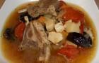 Суп из баранины с черносливом в скороварке