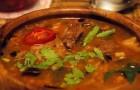 Суп из говяжьей грудинки с вермишелью и овощами в скороварке