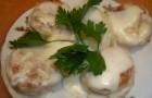 Тефтели рыбные в сметанном соусе в аэрогриле