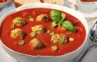 Томатный суп с фрикадельками в пароварке