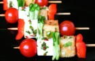Канапе с помидорами и фетой