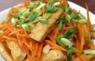 Корейский салат с жареным тофу