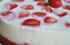 Йогуртовый торт-мусс с клубникой